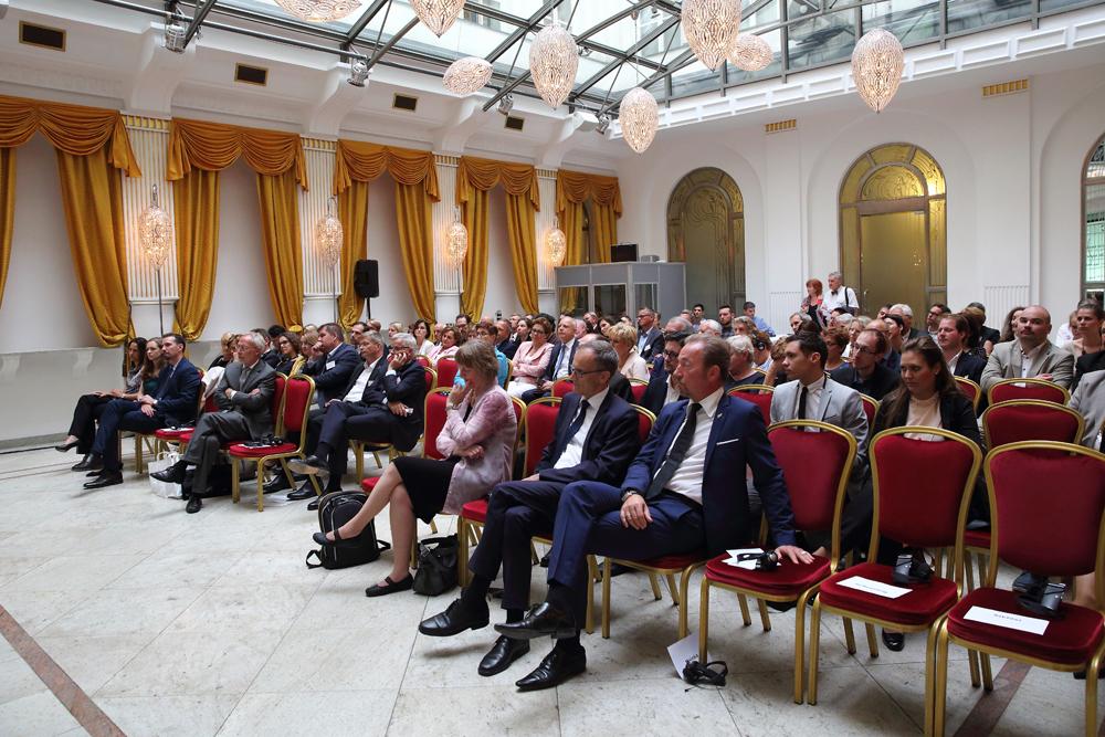 Nach den Regierungsbildungen – Deutschland und Ungarn im Gespräch