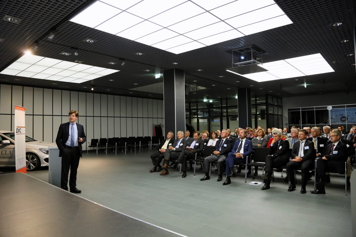 Sektionsveranstaltung im Mercedes-Benz Werk