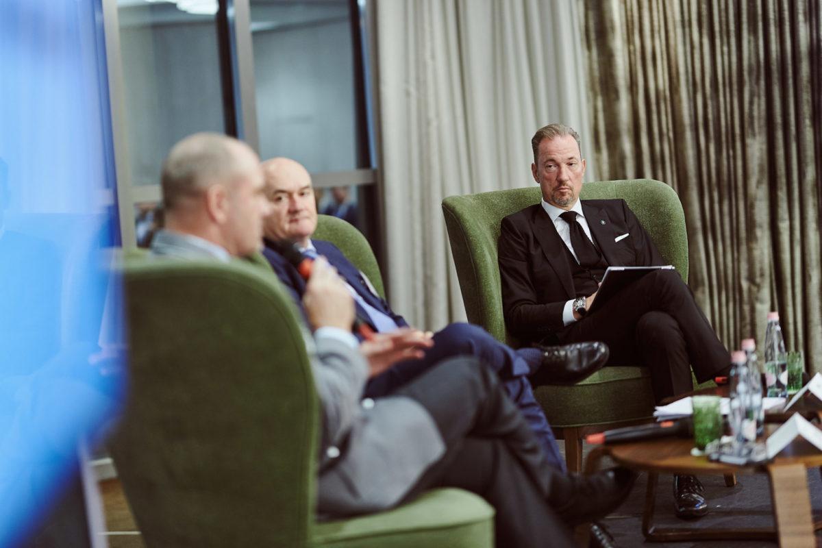 Podiumsdiskussion mit Csaba Hende und Wolf Illner